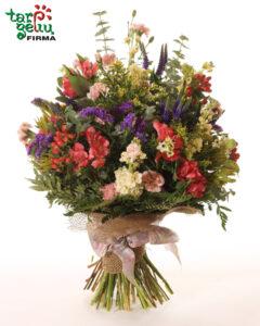 Puokštė pievų gėlių