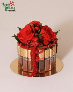 Stabilizuotų rožių ir merci kompozicija