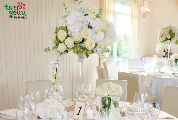 Vestuvinio stalo puošimas