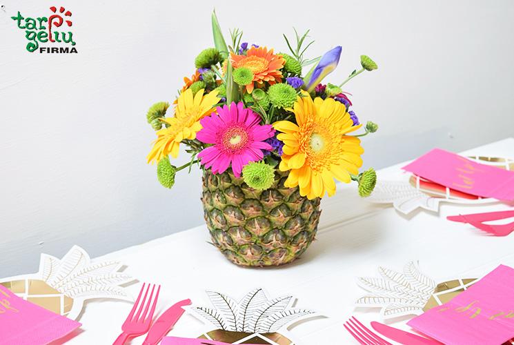 Vaisiai vietoje vazų