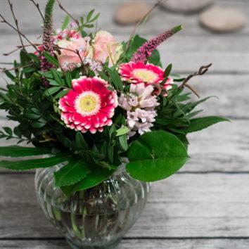 Žiemą spalvinu gėlių žiedais