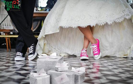 Jeigu kvietime į vestuves neužsiminta apie dovanas…