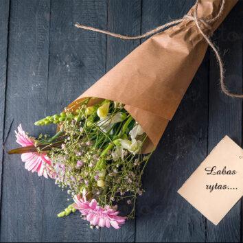 Gėlių pristatymas. Į reikalą pažiūrėkime etiškai ir kūrybiškai