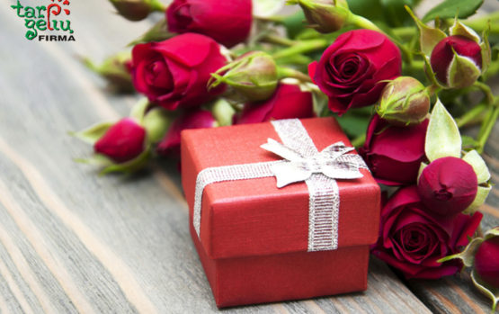 Džiuginkite moteris ne tik gėlėmis